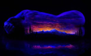 John-Poppleton-body-painting-black-light-10
