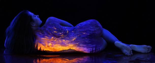 John-Poppleton-body-painting-black-light-11
